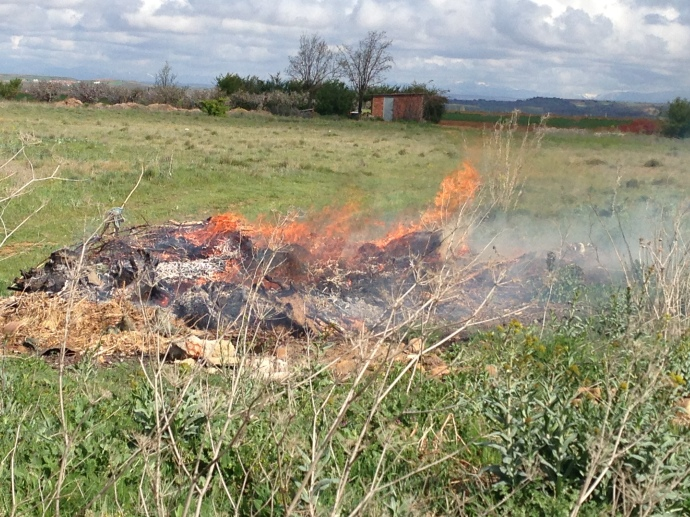 Fire burning in a field, en route to Mansilla de las Mulas